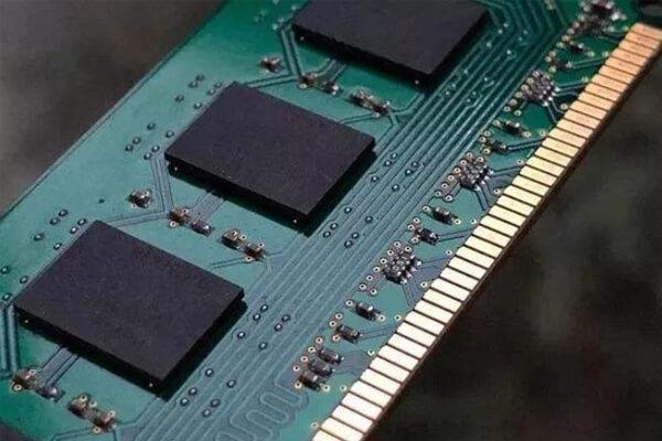 Mal contacto de memoria, monitor y tarjeta gráfica
